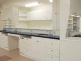 個室相談室と診療スペース